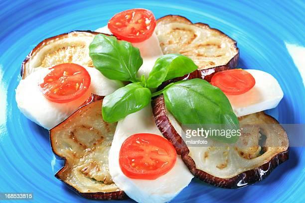 Caprese-Salat mit Aubergine