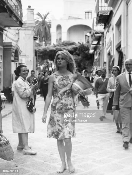 Capri Brigitte Bardot Walking In The Street In 1963