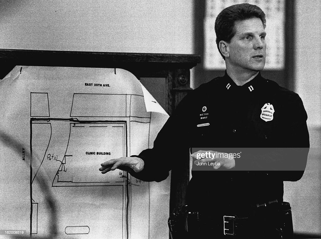 3-1990; Capt. Roger Kaspersen of the Denver Police Swat team, explains to the jury what he witnessed : News Photo