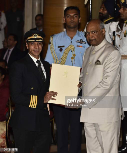 Capt Udit Thapar Skydiver receives the Tenzing Norgay National Adventure Award 2017 for his achievements in Sky Diving from President Ram Nath Kovind...