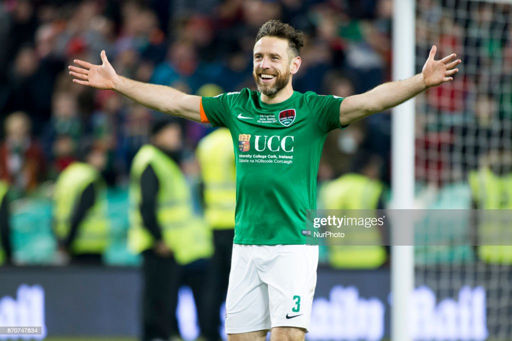 Cork City v Dundalk - Irish Daily Mail FAI Senior Cup Final : News Photo
