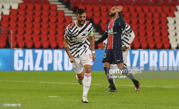 Captain Bruno Fernandes of Manchester United celebrate his goal with team-mates during the UEFA Champions League Group H stage match between Paris...