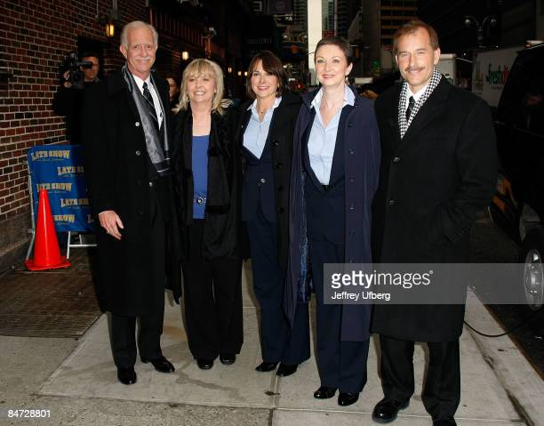 Captain Chelsey Sully Sullenberger Flight Attendnts Sheila Dail Doreen Welsh Donna Dent and First Officer Jeffrey Skiles visit Late Show with David...