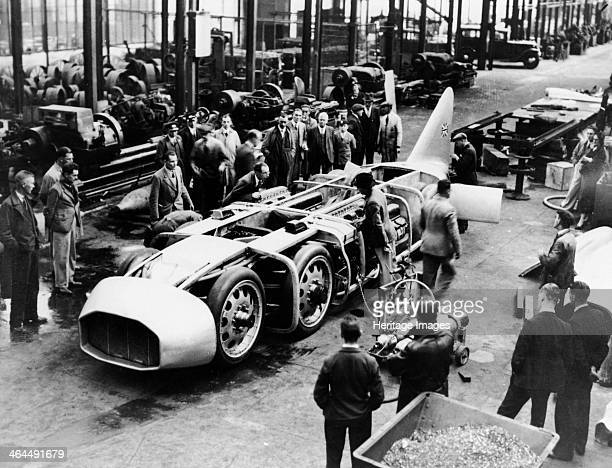 Captain George Eyston's 'Thunderbolt' car 1937 Eyston set three Land Speed Records in this car at Bonneville Salt Flats Utah USA the fastest being...