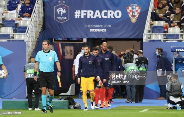Captain Hugo LLoris of France enters the field with his teammates during the UEFA Nations League group stage match between France and Croatia at...