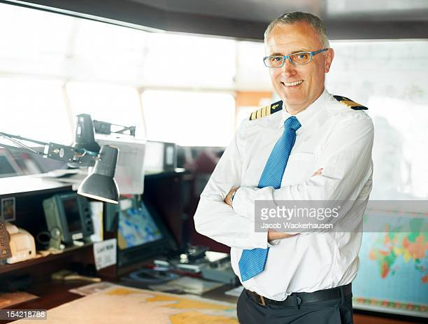 captain in command - passagerarbåt bildbanksfoton och bilder