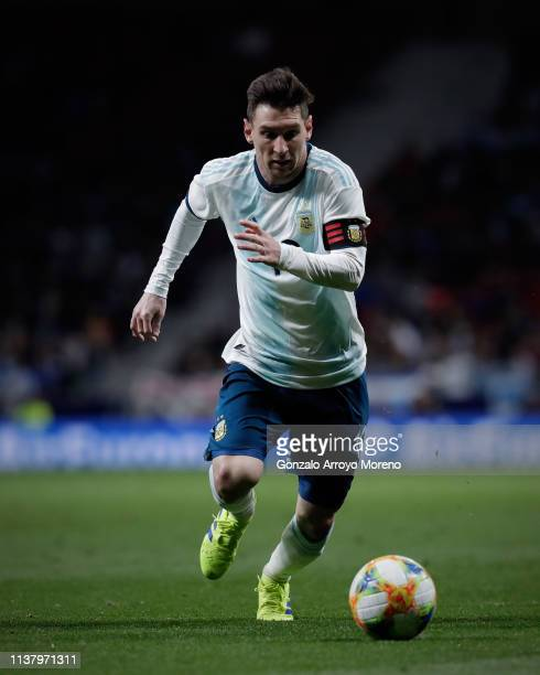 Captain Lionel Messi of Argentina controls the ball during the International Friendly match between Argentina and Venezuela at Estadio Wanda...