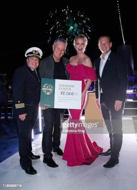 Captain Manuel Pannzek Reiner Meutsch Stiftung FLY HELP Godmothr Franziska Knuppe and Felix Eichhorn President AIDA Cruisesn Christening of the AIDA...