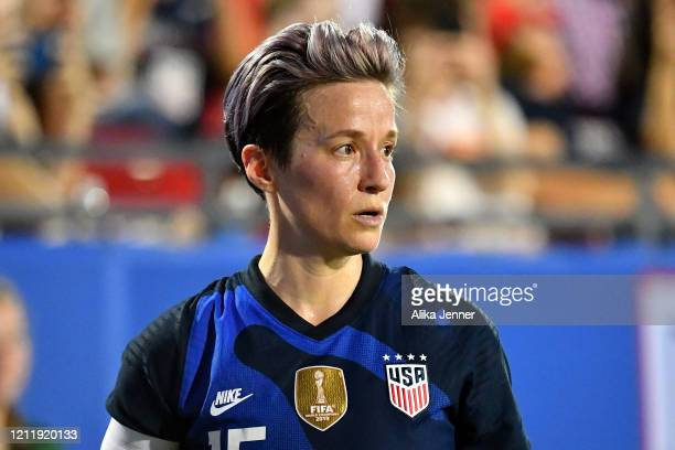 Captain Megan Rapinoe of the United States reads the field before her corner kick during the first half of the SheBelieves Cup match against the...