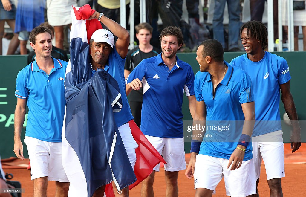 France v Canada - Davis Cup World Group First Round : News Photo