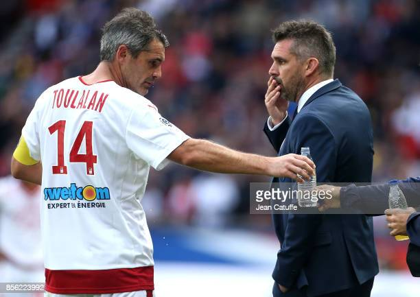 Captain of Girondins de Bordeaux Jeremy Toulalan and his coach Jocelyn Gourvennec during the French Ligue 1 match between Paris SaintGermain and FC...