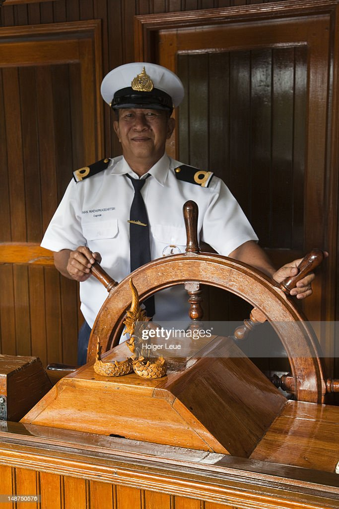 Captain Steering River Cruise Ship Rv River Kwai On River Kwai Noi - How to be a cruise ship captain