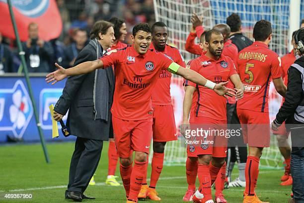 Captain Thiago Silva of Paris SaintGermain celebrate the victory with teammattes after the French League Cup Final between Paris SaintGermain and SC...