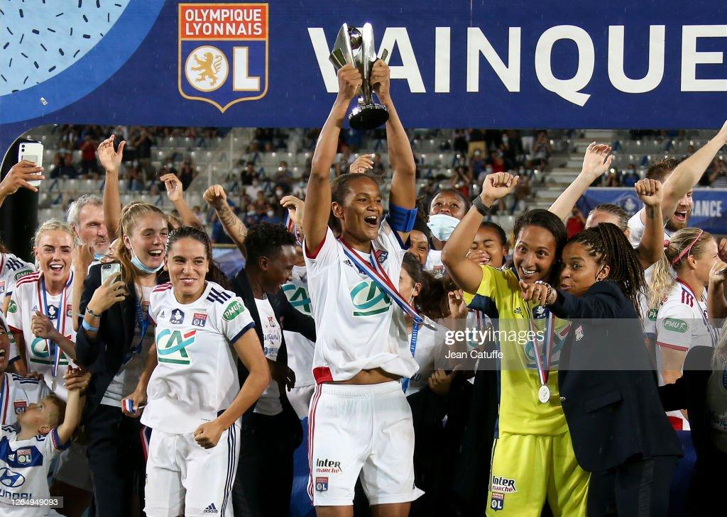 Paris Saint Germain v Olympique Lyonnais - Women's French Cup - Final : Photo d'actualité