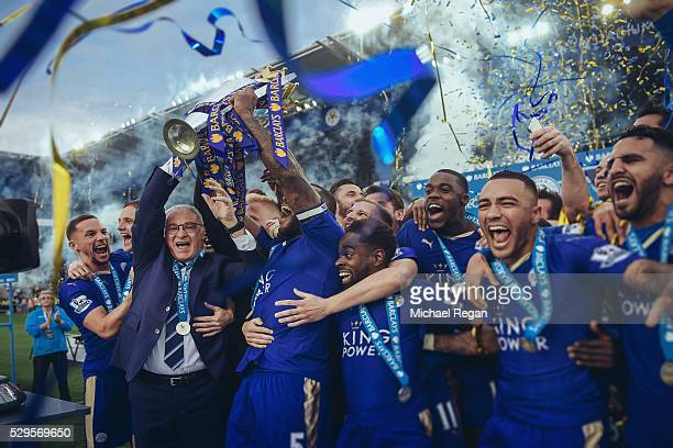 FILTERS] Captain Wes Morgan and manager Claudio Ranieri of Leicester City lift the Premier League Trophy after the Barclays Premier League match...