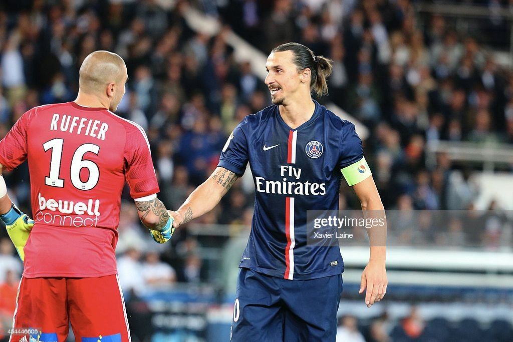 Paris Saint-Germain FC v AS Saint-Etienne - Ligue 1 : News Photo