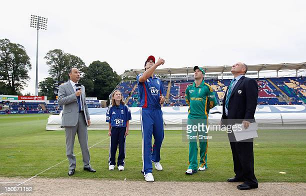 Captains Alastair Cook of England and AB DeVilliers of South Africa at the toss during the 1st NatWest Series ODI match between South Africa and...