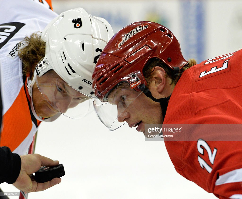 Philadelphia Flyers v Carolina Hurricanes : News Photo