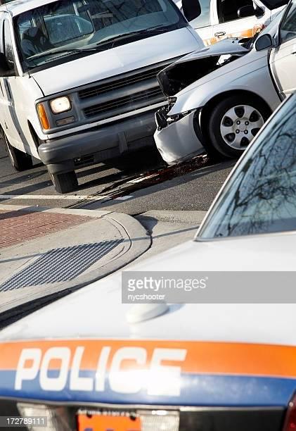 accident de voiture de police sur la scène
