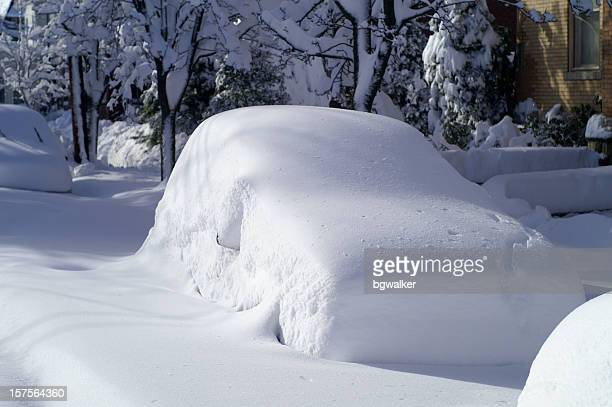 car after snow storm - deep snow stock pictures, royalty-free photos & images