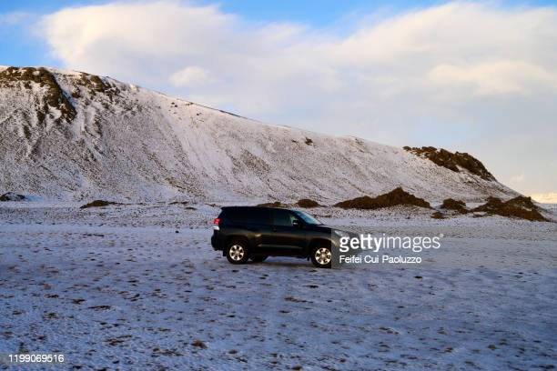 a car at alftafjordur, east-south of iceland - austurland stock-fotos und bilder