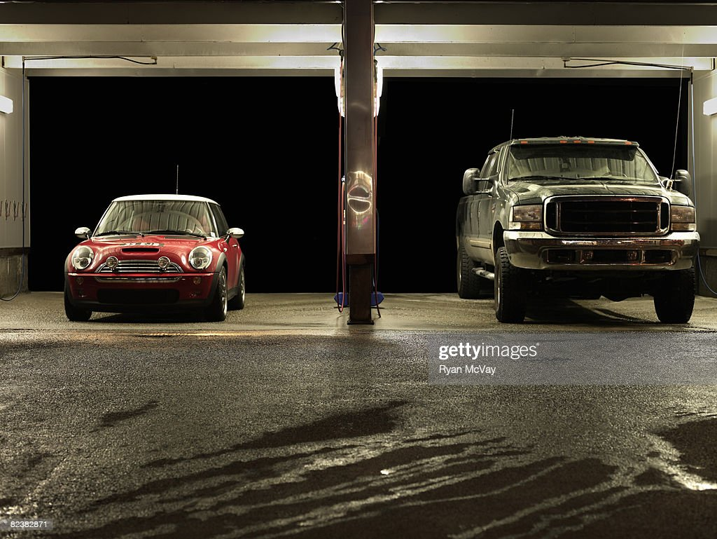 Car at truck next to each other at Car Wash : Stock Photo
