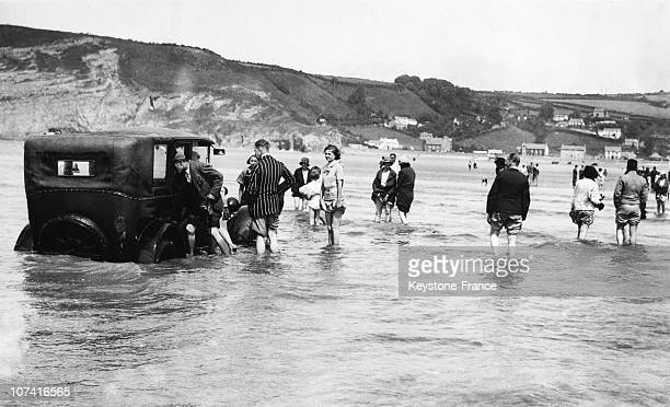 Car Caught By The Flood At Cardiff In Wales On July 1933