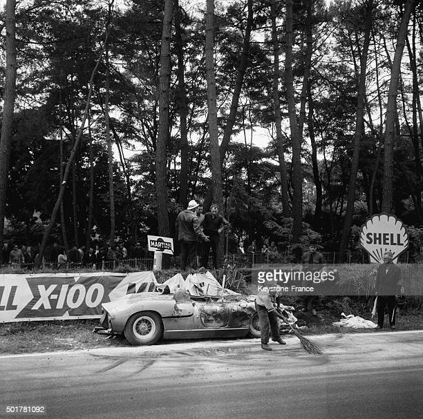 Car crash after fire for pilot Willy Mairesse seriously injured aboard this Ferrari in the 24 Heures du Mans car race on June 16 1963 in Le Mans...