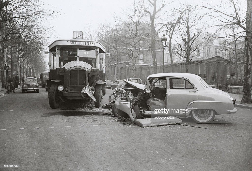 Car crash in Paris (France). Ca. 1960. Pictures | Getty Images