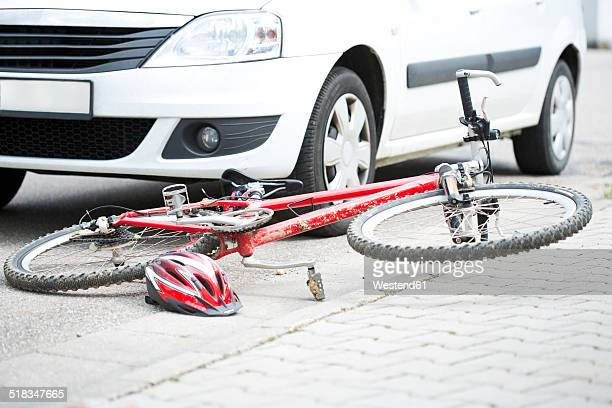 Car crash with bicycle