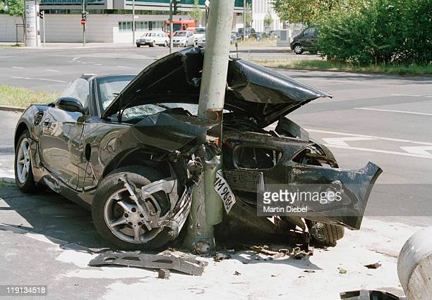 A car crashed into a lamp post