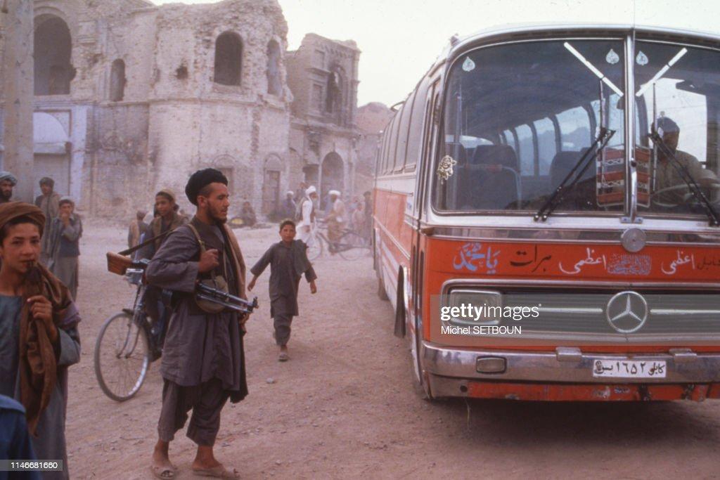 Car dans une rue en Afghanistan : Fotografía de noticias