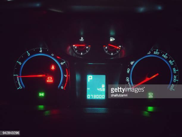 car dashboard modern automobile with retro colour scheme - shaifulzamri stock pictures, royalty-free photos & images