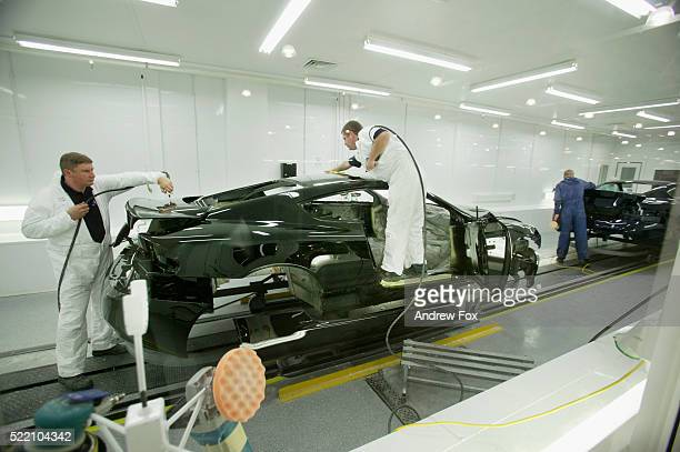 425 Production At The Aston Martin Factory Photos And Premium High Res Pictures Getty Images