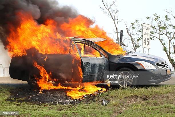 Auto-Feuer Brennen reichlich auf Neu Jersey Autobahn