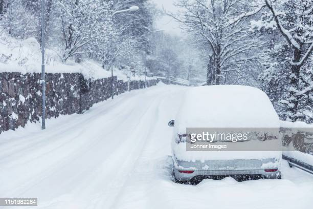 car park on road side - deep snow stock pictures, royalty-free photos & images