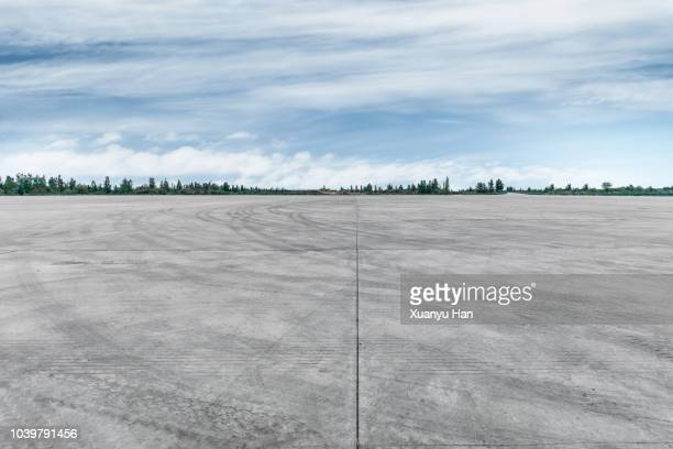 car park - airport runway stock pictures, royalty-free photos & images
