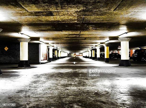 parkplatz park - unterirdisch stock-fotos und bilder