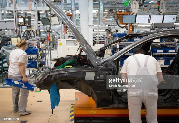 Car production at Audi AG in Ingolstadt Assembly work on the Audi A3/Q2