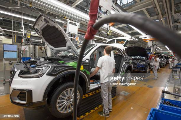 Car production at Audi AG in Ingolstadt Installation of the front seats on the Audi A3/Q2