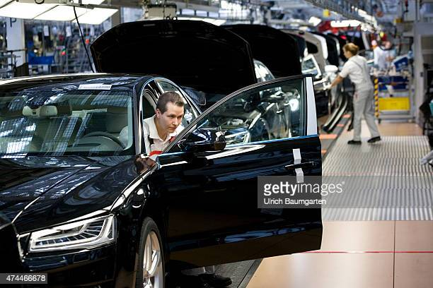 Car production at AUDI AG in Neckarsulm Initial startup and general examination of the AUDI A8 at the end of the assembly line