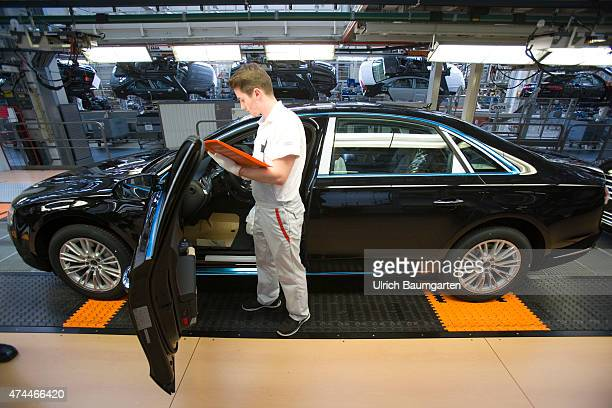 Car production at AUDI AG in Neckarsulm Our picture shows the wedding at AUDI A7