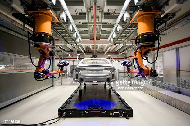 Car production at AUDI AG in Neckarsulm The finished AUDI A8 body in the measuring cell for A8 quality assurance