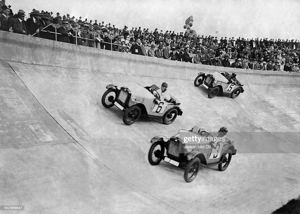 Car racing Car race in the Deutsches Stadion, Berlin - 1929 ...