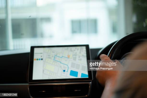 car sat navigation system - navigational equipment stock pictures, royalty-free photos & images