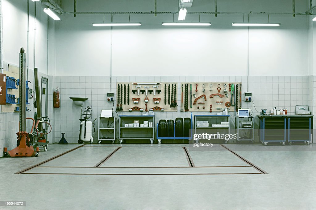 Auto Repair Shop Stock Photos And Pictures Getty Images