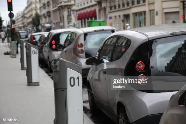 car sharing - electric car fotografías e imágenes de stock