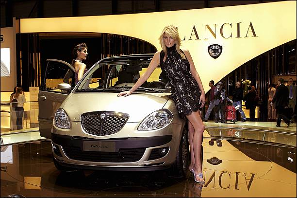 https://media.gettyimages.com/photos/car-show-in-geneva-switzerland-lancia-musa-on-march-02-2004-picture-id110991930?k=6&m=110991930&s=612x612&w=0&h=i0tJUryB0MNxMz2FgrahTr-xQbVmGkO8ZZ1Ee2BjI-c=