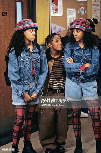 SISTER SISTER Car Trouble Season One 5/20/1994 The twins Tia and Tamera with their neighbor Roger accidently scratch Ray's car and Lisa is blamed