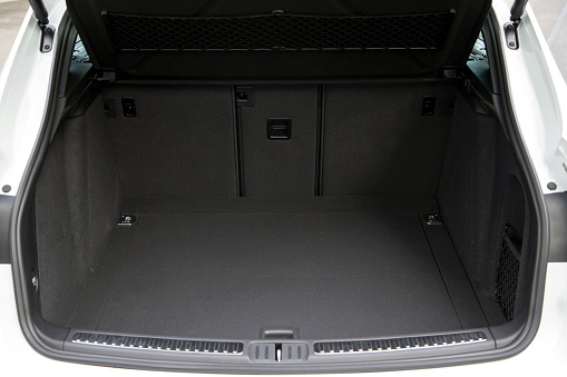 car trunk 943502000